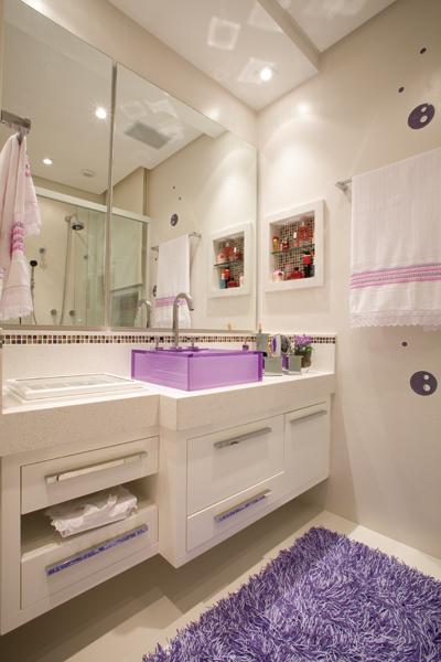 Cores para o Banheiro  Comprando Meu Apê -> Banheiro Com Pastilha De Vidro Lilas