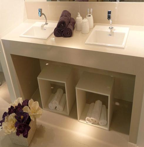 Porcelanato muito além de um simples piso!  Comprando Meu Apê -> Pia De Banheiro Feita De Sobra De Porcelanato