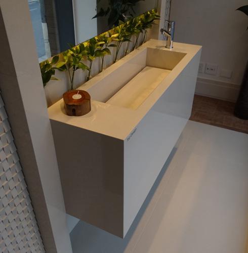 Porcelanato muito além de um simples piso!  Comprando Meu Apê -> Pia De Banheiro Feito Com Porcelanato