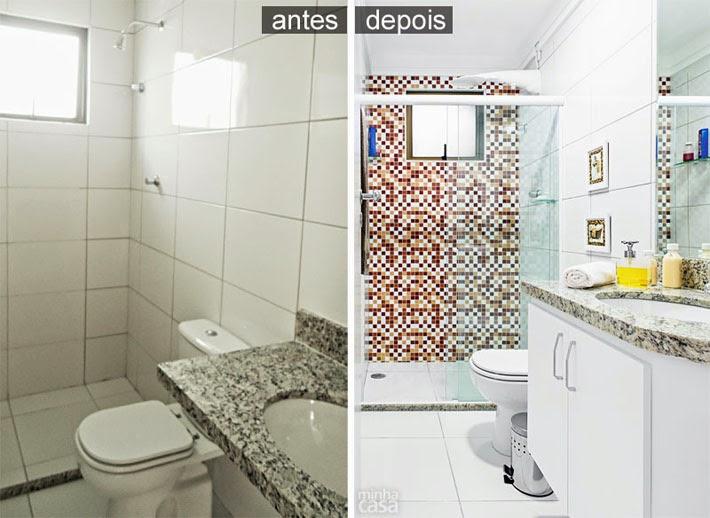 Antes e Depois banheiro revestido com adesivo  Comprando Meu Apê -> Armario Para Banheiro Que Pode Molhar