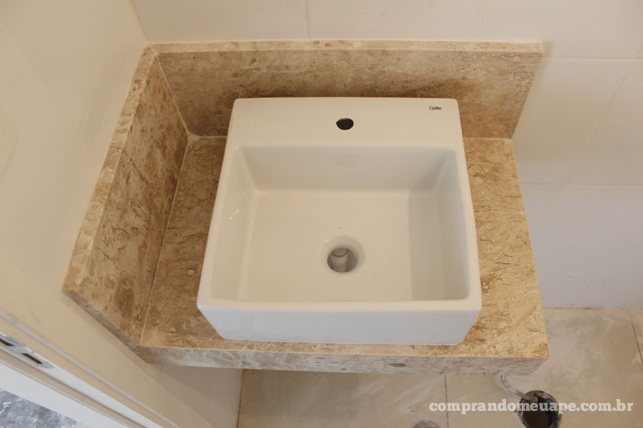 12_cma_bancada_travertino_lavabo