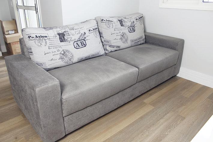 Chegaram os móveis da sala_Living-room-tour