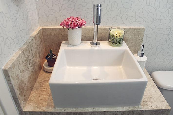 decoracao toalha lavabo:porta-toalha de ferro na cor ouro velho e em forma de coruja ganhou