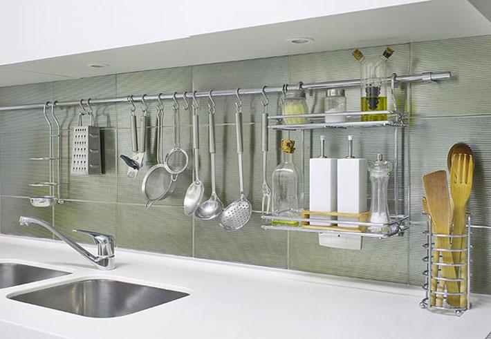 Como organizar os armários e gavetas da cozinha?  Comprando Meu Apê # Utensilios Para Armario De Cozinha