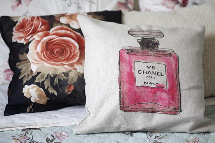Almofada Chanel e Floral
