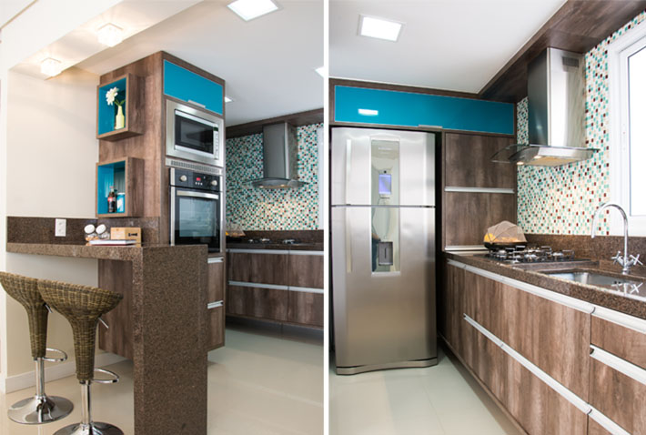 Cozinha planejada turquesa e madeira