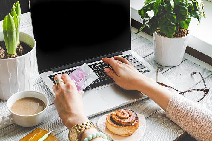 Milhas e pontos do cartão de crédito: vale a pena?