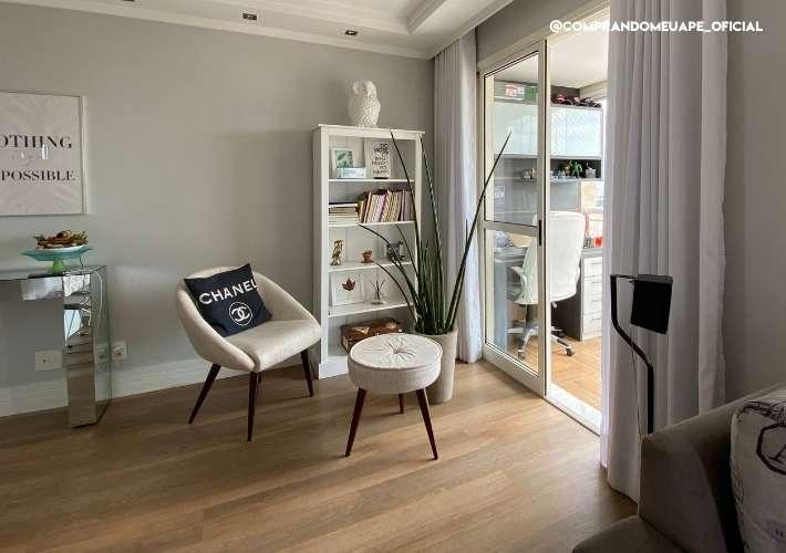 cantinho de leitura sala do apartamento pequeno
